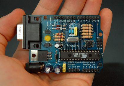 800px-Arduino316